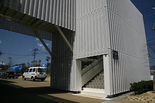 体育館への上り階段
