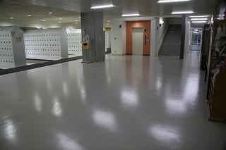普通科棟玄関(生徒昇降口) ホール