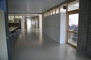 普通科棟廊下